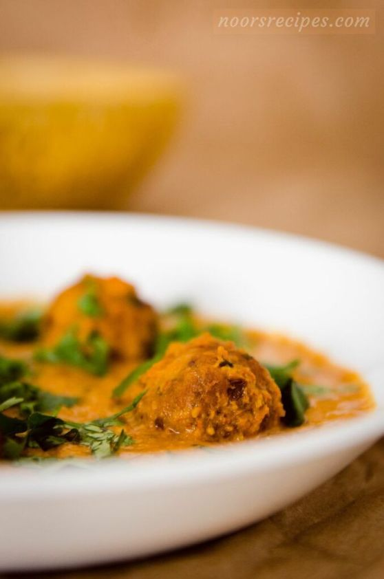 noorsrecipes - cabbage kofta curry